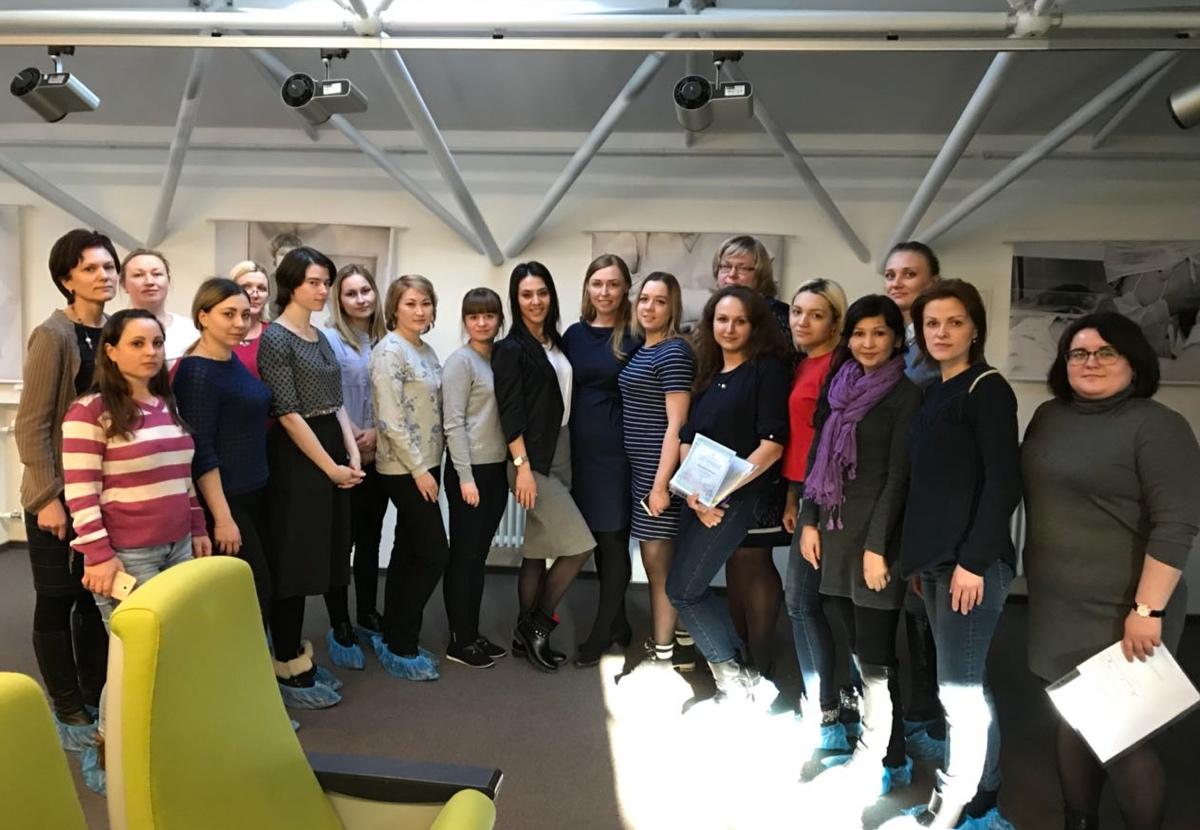 Практический семинар для ассистентов врачей-стоматологов ведет ассистент Михаила Соломонова - Тали Гольдберг